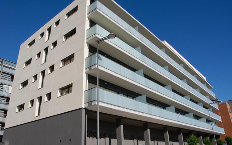 EDIFICIO DE 44 OFICINAS – LOFTS EN PATERNA